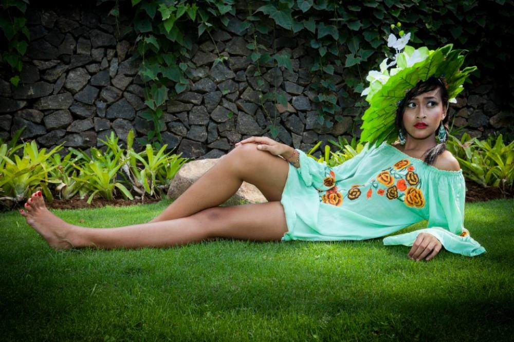 Indonesian Fashion Bali Girl 0684
